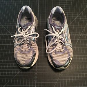 Brooks Adrenaline Athletic shoes running size 9